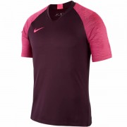 Camiseta Nike Breathe Strike - Preta e Rosa