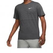 Camiseta Nike Dri-FIT Run Division Miler - Cinza